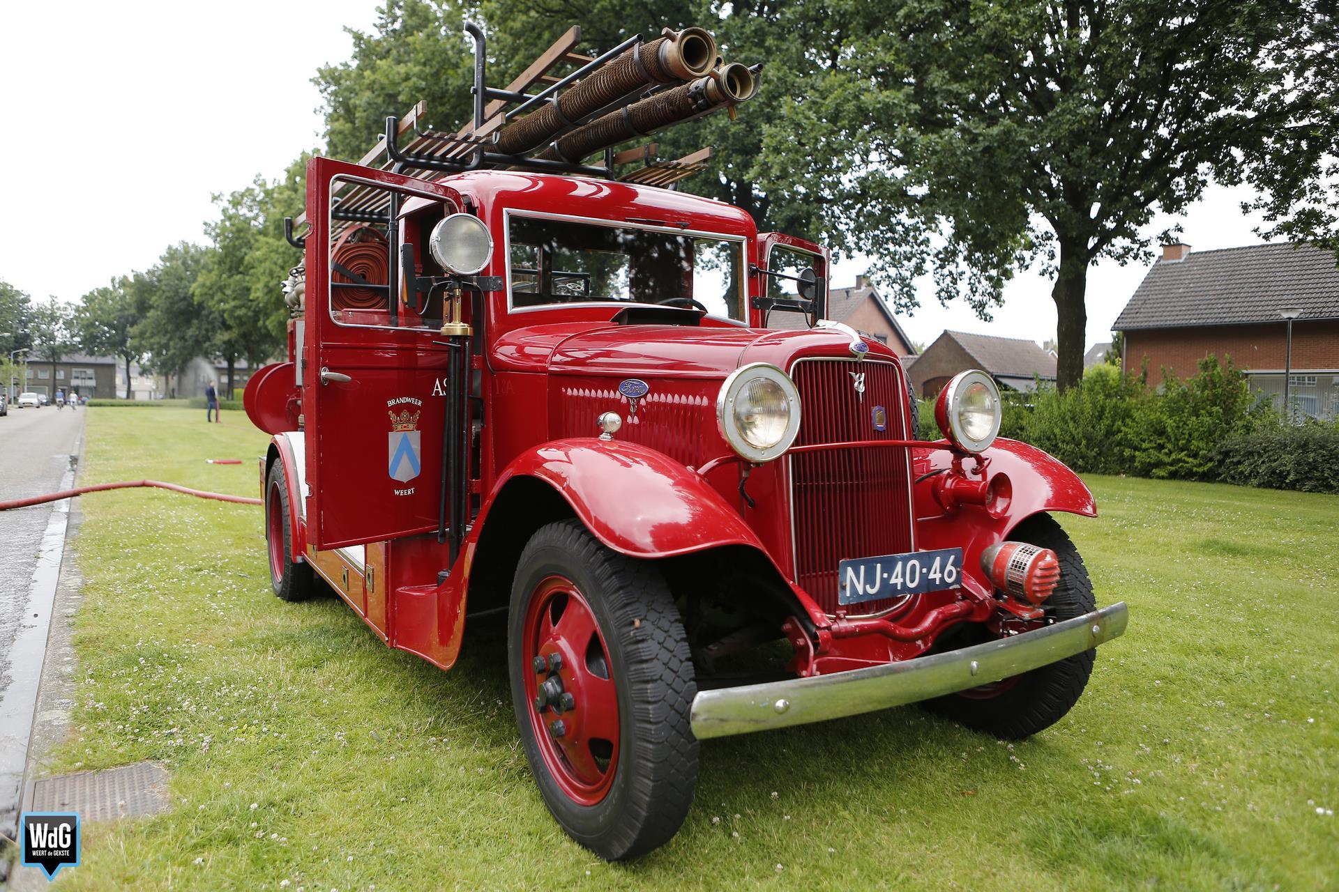 Oldtimer brandweer in ere hersteld