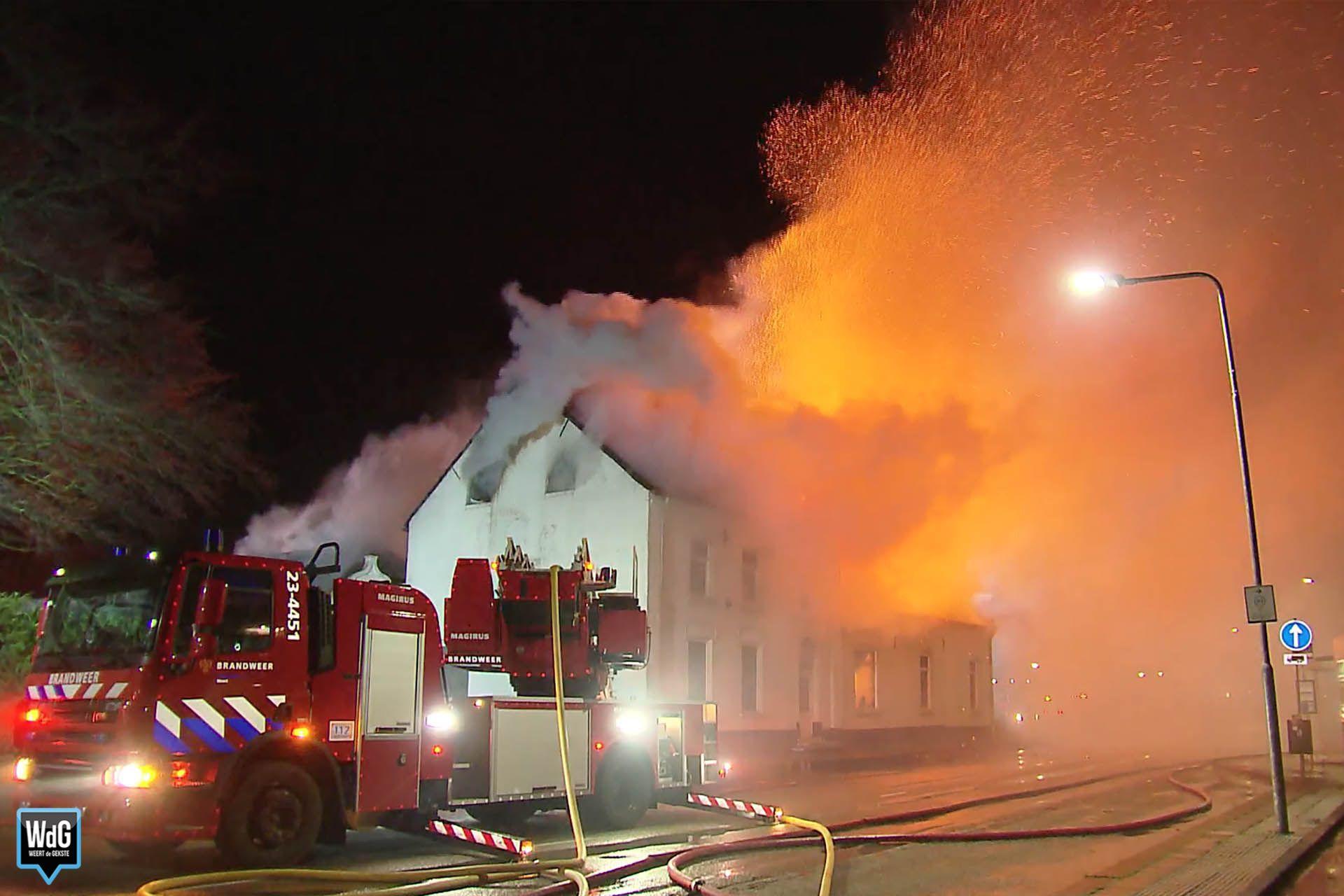 Uitslaande brand in leegstaand gebouw Horn