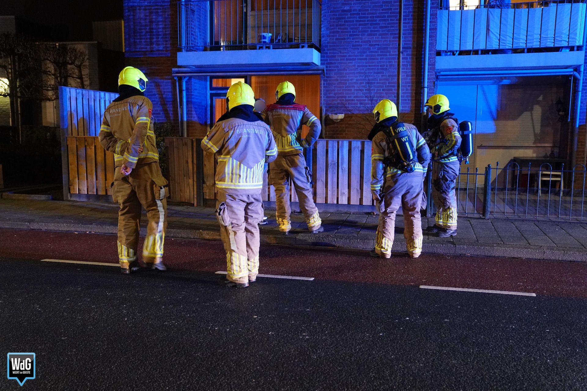Brandweer doet onderzoek naar gaslucht omgeving Parallelweg